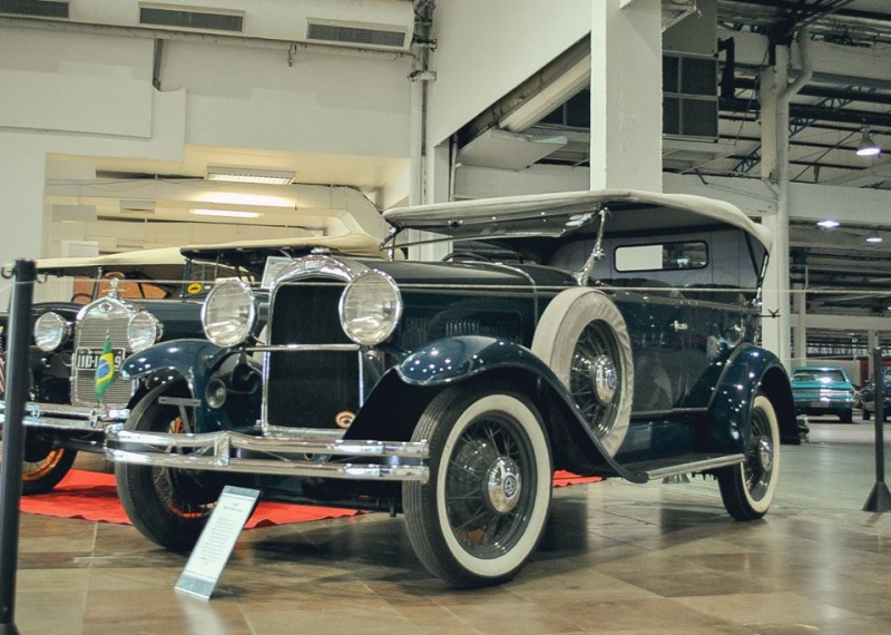 1930 Willys 98B Phaeton