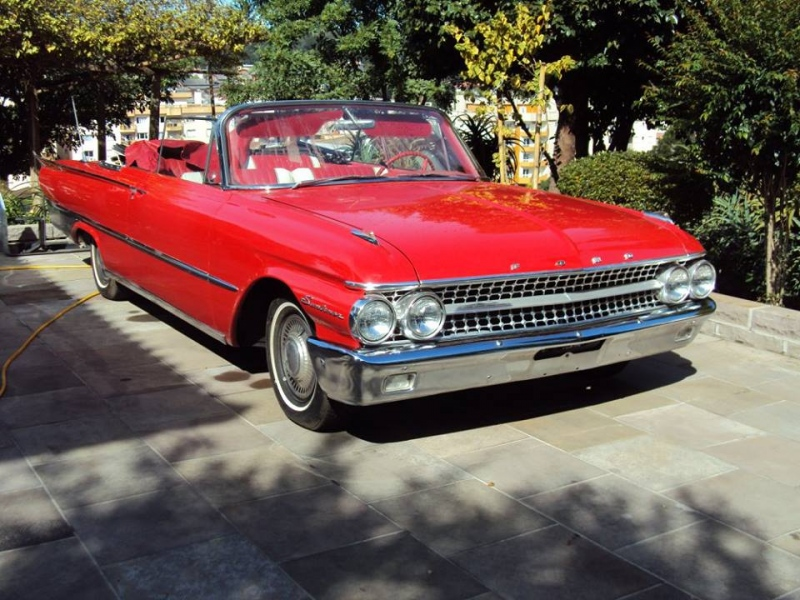 1961 Ford Galaxie Sunliner