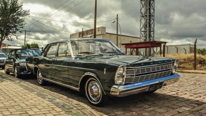 1967 Ford Galaxie 3